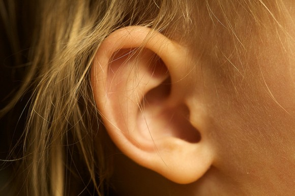 ear01