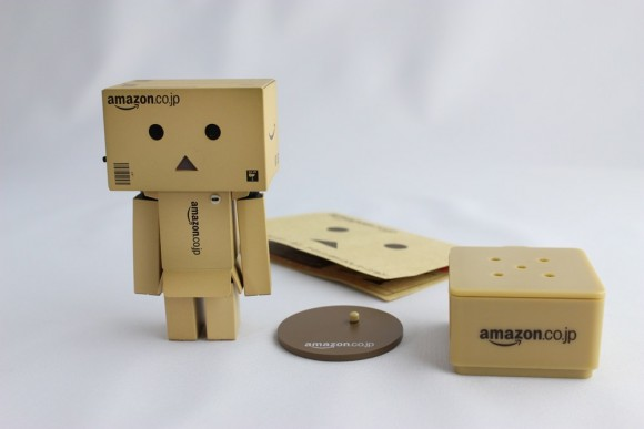 revoltech-danbo-mini-amazon03